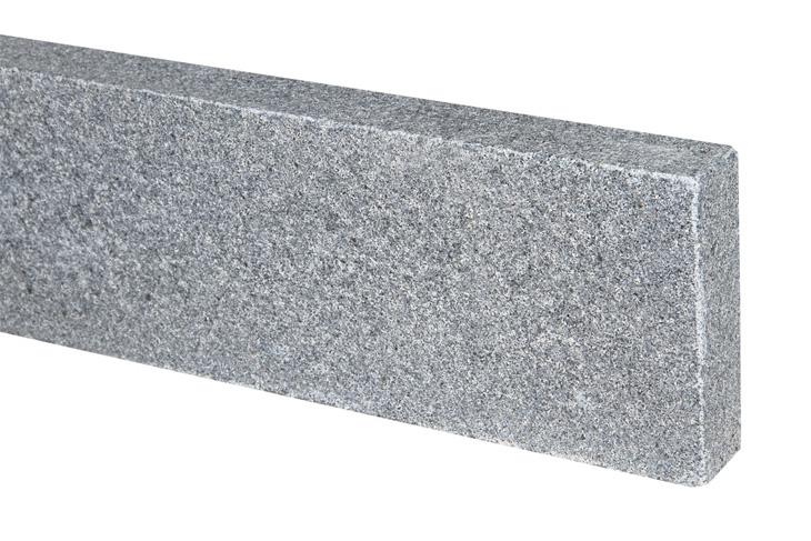 Bordure jersey en granit flamm e et chanfrein plateforme for Deco 6 brumath
