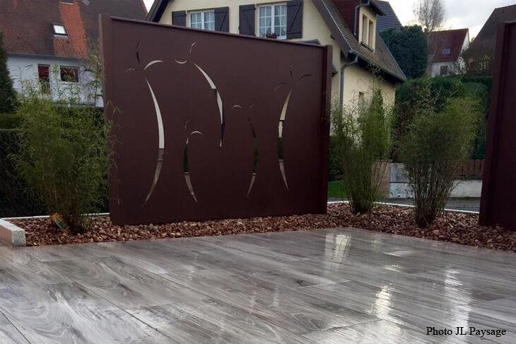 Brise vue pare vue en acier design corten plateforme - Brise vue design jardin ...
